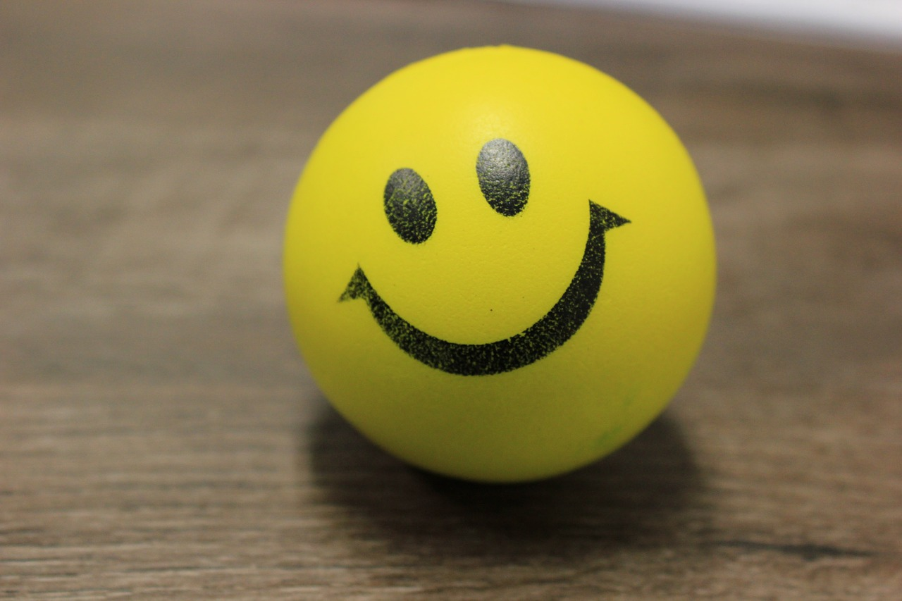 smiley-customer-service-ball-hosted-pbx