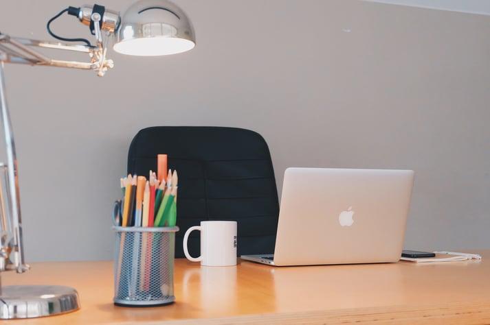 Hosted_PBX_office_desk