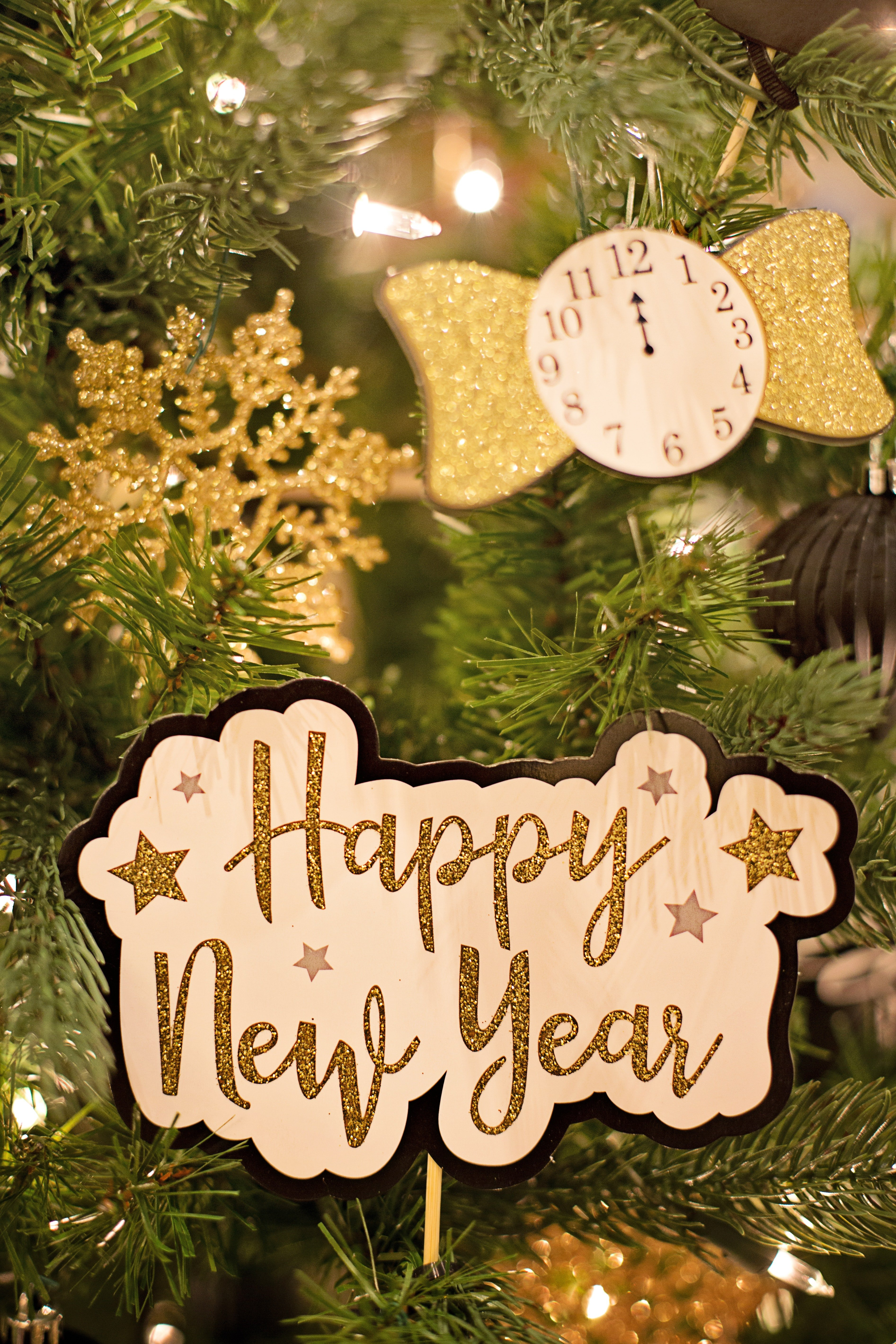 happy-new-year-text-3334355