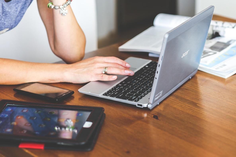Laptop_Hosted_PBX_1280